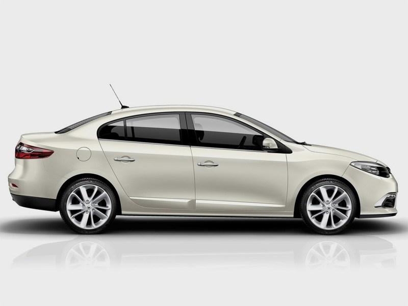 Renault Fluence 2013 вид сбоку