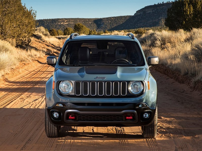 Jeep Renegade 2014 вид спереди фронт