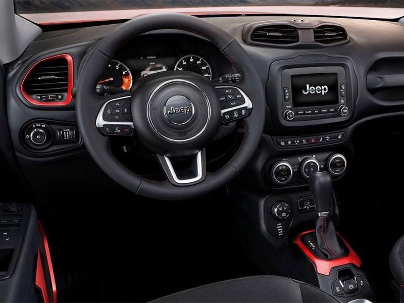 Jeep Renegade 2014 водительское место