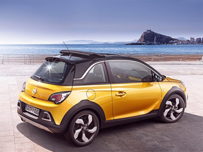 Opel Adam Rocks 2014 вид сбоку сзади