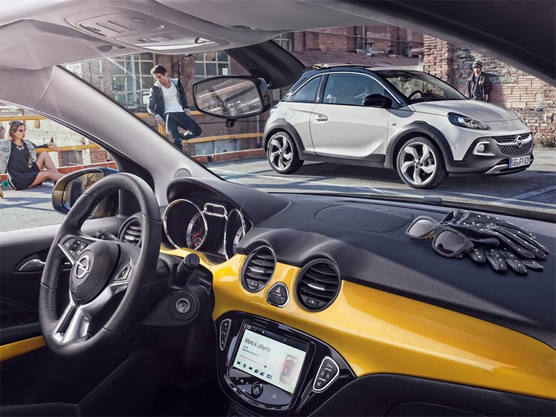 Opel Adam Rocks 2014 водительское место
