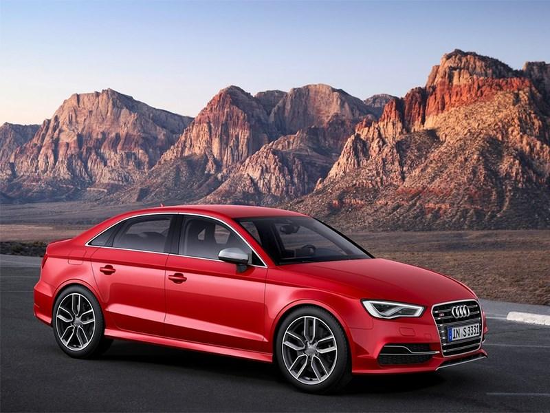 Audi S3 sedan 2013 вид спереди сбоку