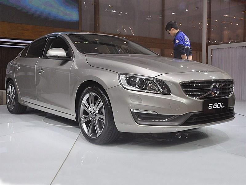 Volvo S60 L 2014 вид спереди 3/4