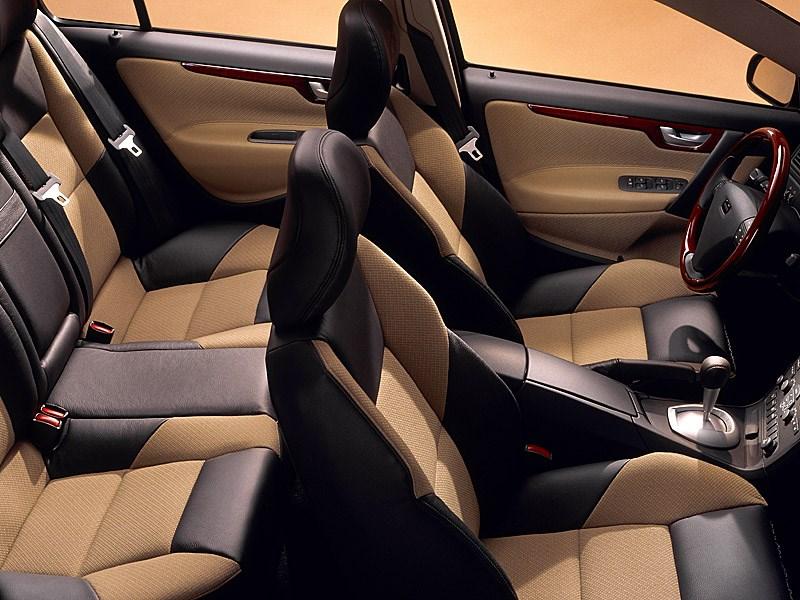Volvo S60 2000 салон вид сверху