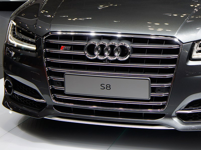 Audi S8 2013 радиатор