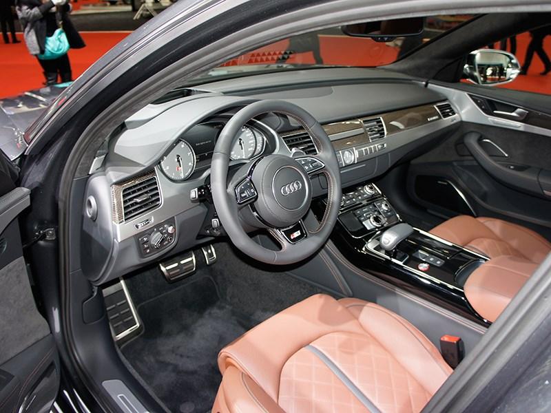 Audi S8 2013 салон