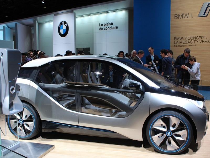 Электрокроссовер БМВ i5 презентуют в 2021г