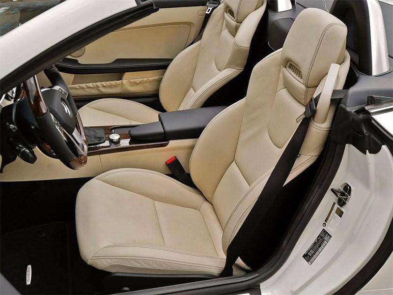 Mercedes-Benz SLK-Klasse 2012 кресла