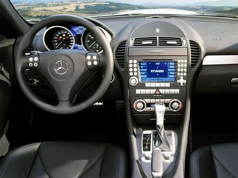 Mercedes-Benz SLK-Klasse 2005 водительское место