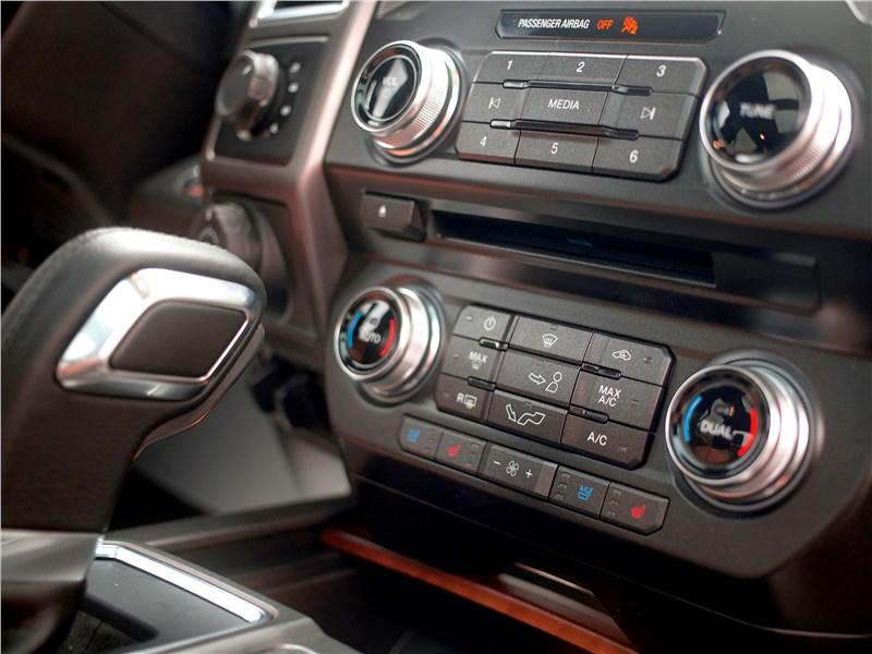 Ford F-150 2016 управление климатической системой