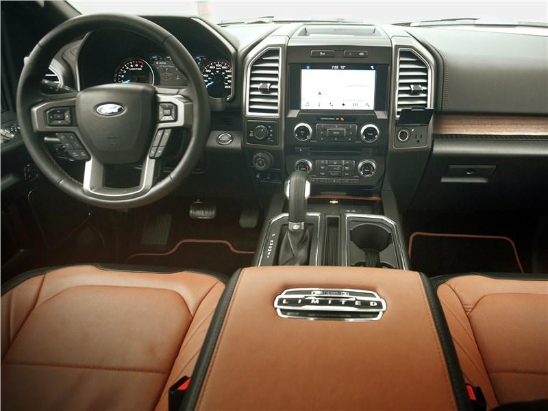 Ford F-150 2016 салон