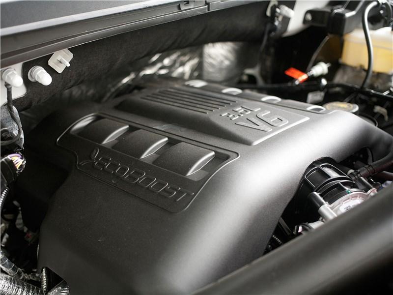 Ford F-150 2016 двигатель