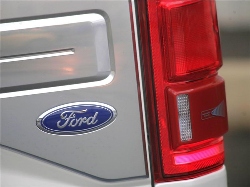 Ford F-150 2016 металлизированные накладки