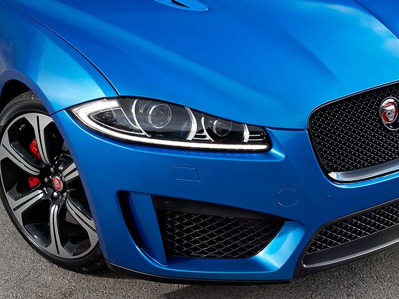 Jaguar XFR-S Sportbrake 2014 вид спереди фото 8