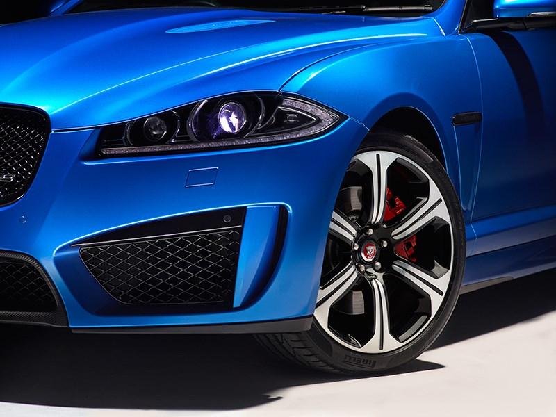Jaguar XFR-S Sportbrake 2014 вид спереди фото 10