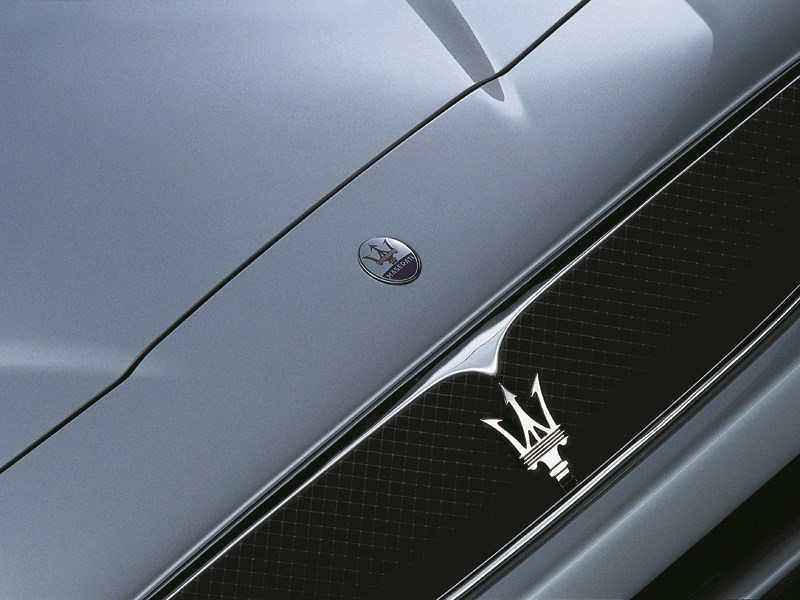 Maserati Spyder с эффектным трезубцем на решетке радиатора