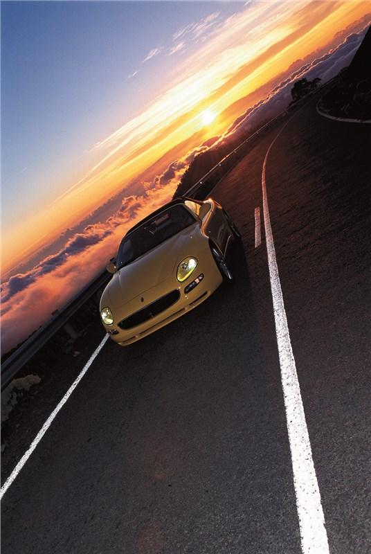 Maserati Spyder на скоростной трассе