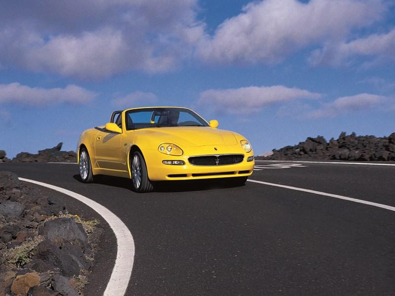 Maserati Spyder в вираже