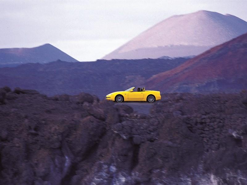 Maserati Spyder в горном пейзаже