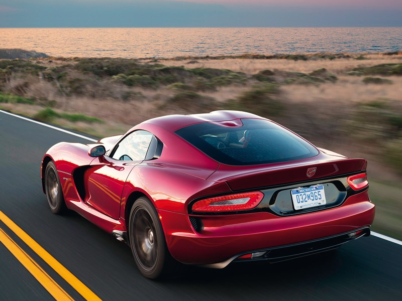 Chrysler SRT Viper GTS 2013 вид сзади