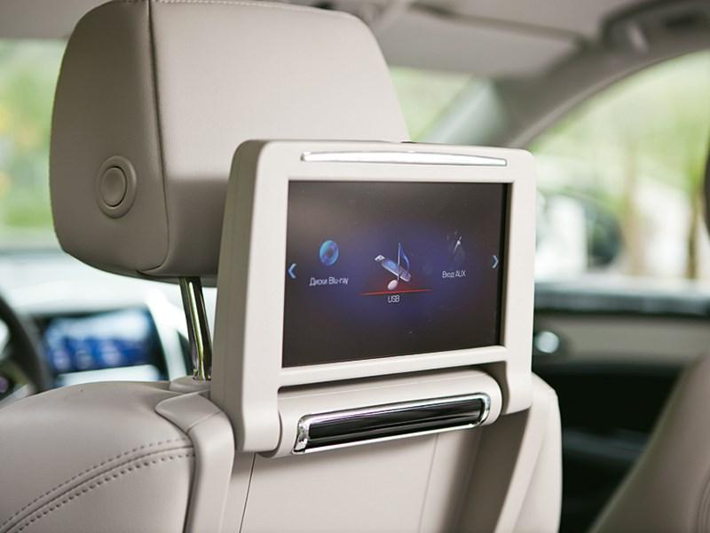 Cadillac SRX 2013 монитор на сиденьи