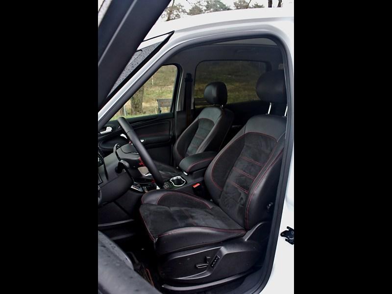 Ford S-Max 2011 передние сидения