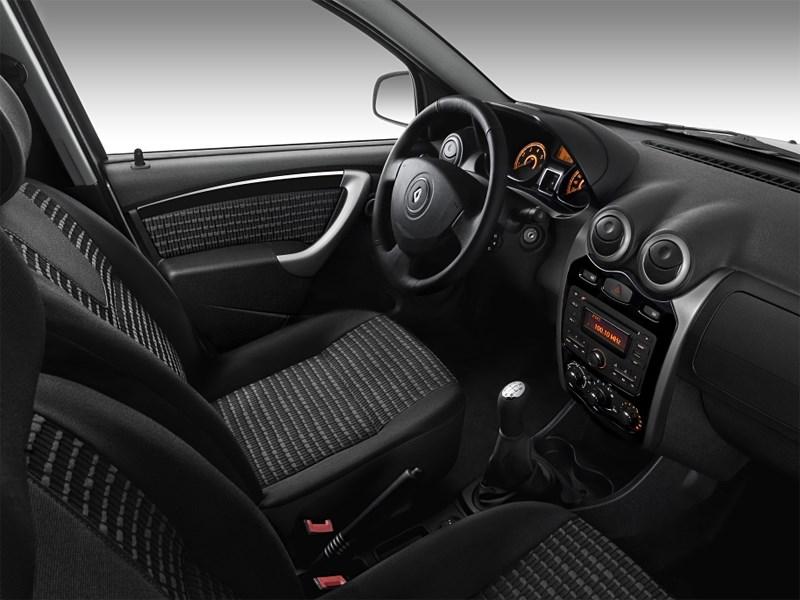 Renault Sandero 2013 водительское место