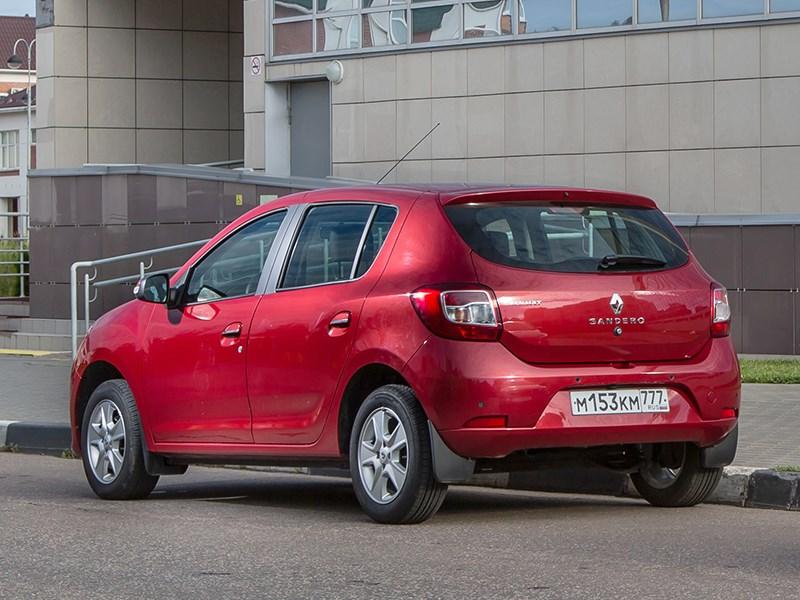 Renault Sandero 2014 вид сзади