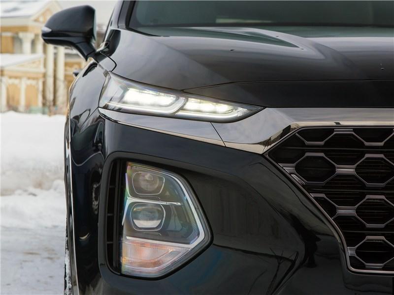 Hyundai Santa Fe 2019 передняя оптика