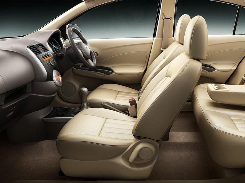 Renault Scala 2013 водительское место
