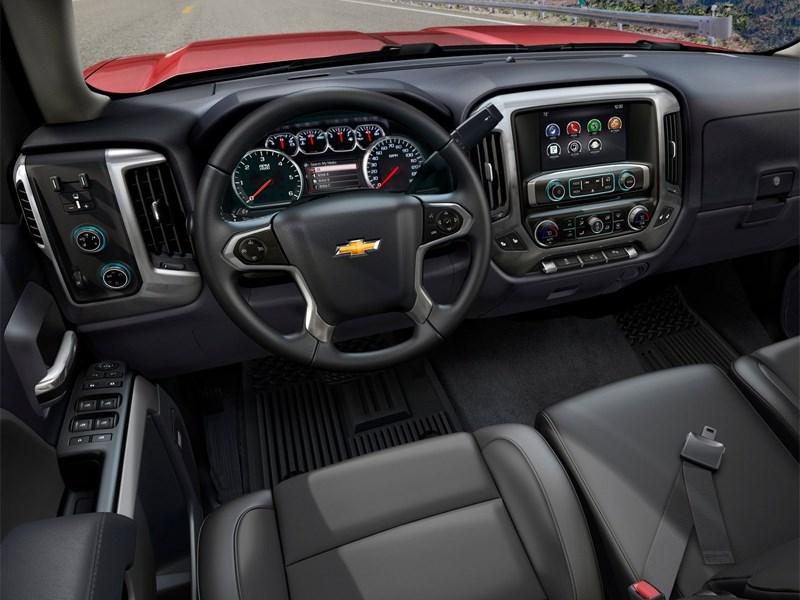 Chevrolet Silverado 2013 водительское место