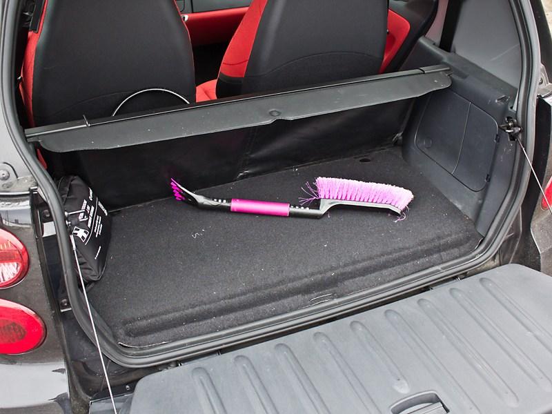 Smart Fortwo 2012 багажное отделение