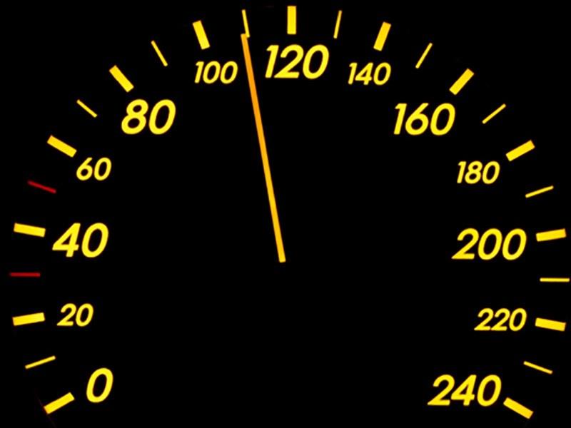 «Скорость— это важно»: вРФ могут разрешить разгоняться до110 км/час