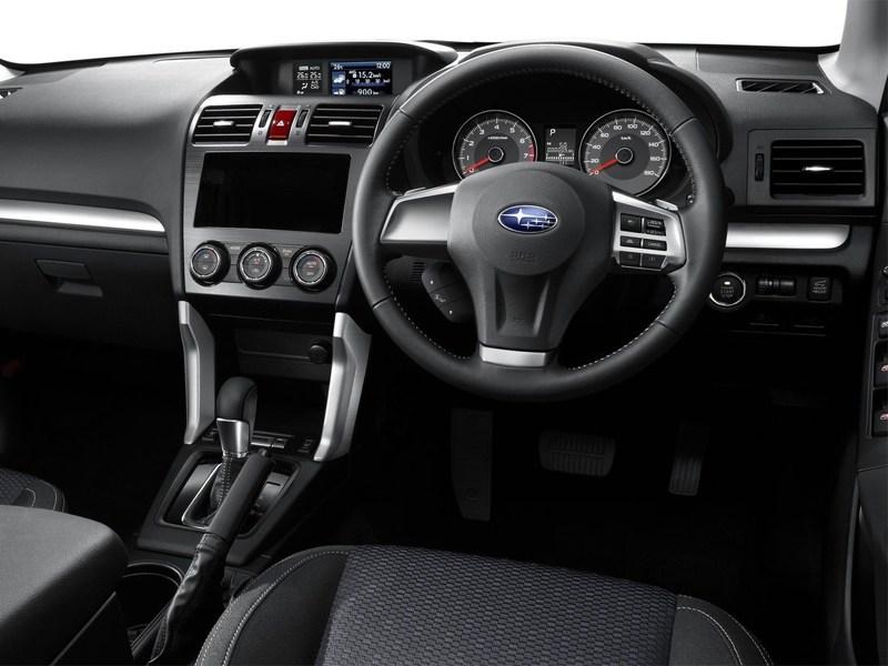 Subaru Forester 2013 водительское место