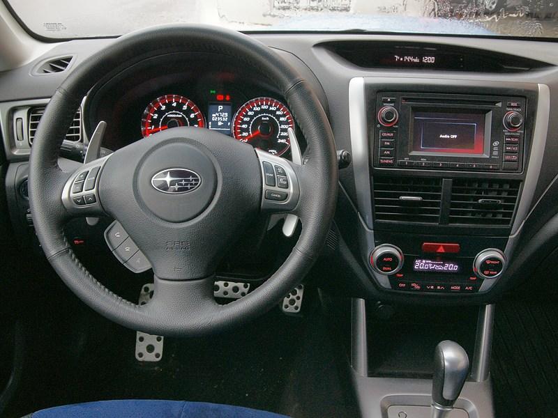 Subaru Forester S-edition 2011 водительское место