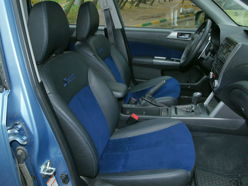 Subaru Forester S-edition 2011 передние кресла