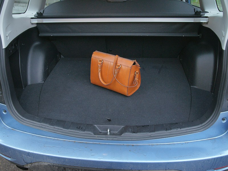 Subaru Forester S-edition 2011 багажное отделение