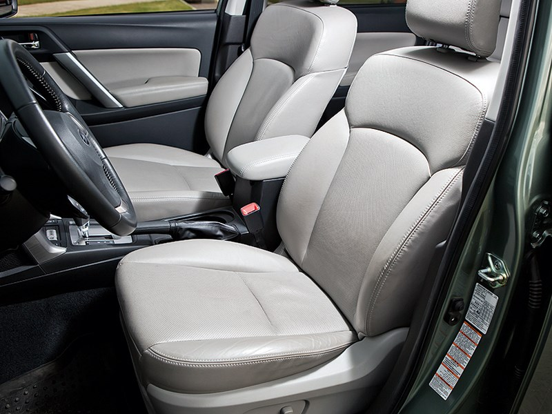 Subaru Forester 2013 передние кресла
