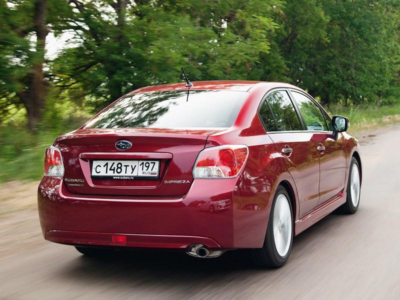 Subaru Impreza 2011 вид сзади