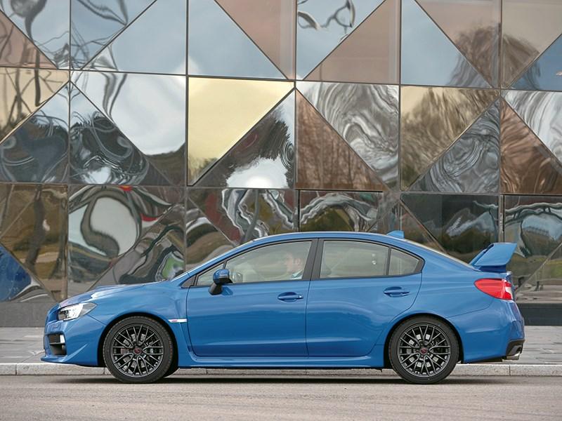 Subaru WRX STI 2014 вид сбоку