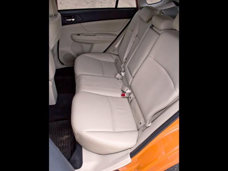Subaru XV 2012 задние кресла