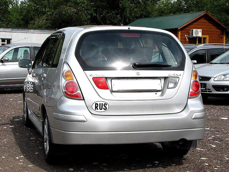 Suzuki Liana хэтчбек 2004 вид сзади