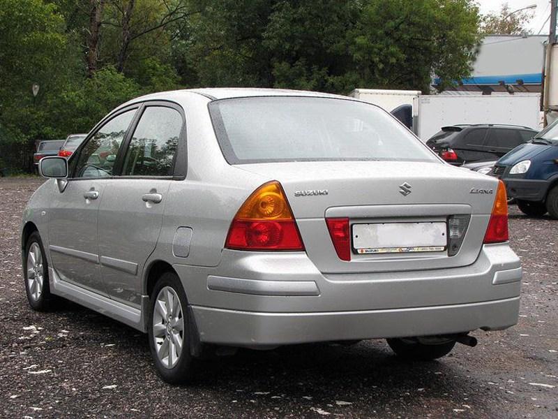 Suzuki Liana седан 2004 вид сзади слева