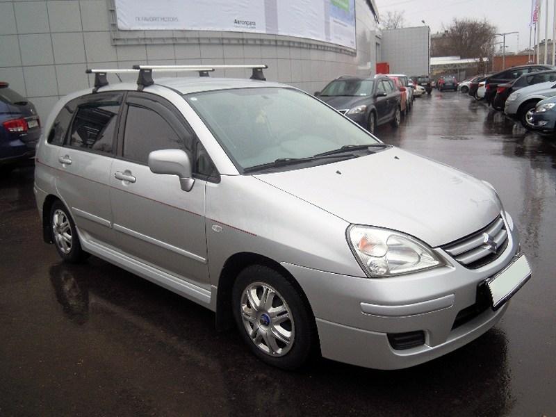 Suzuki Liana хэтчбек 2004 вид спереди справа