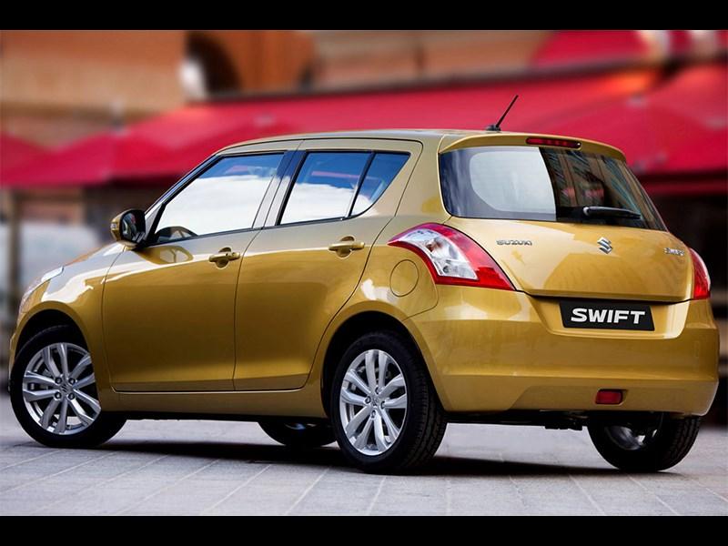 Suzuki Swift 2013 вид сзади