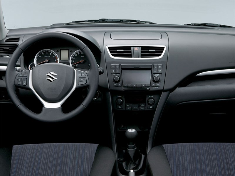 Suzuki Swift 2013 водительское место