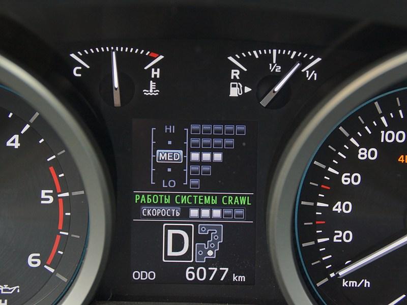 Toyota Land Cruiser 200 2012 дисплей приборной панели