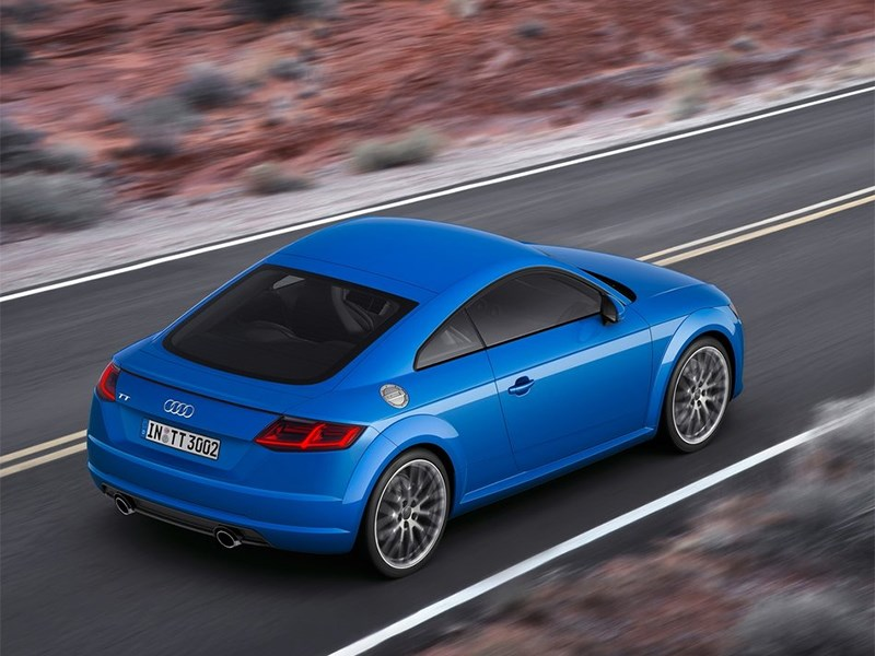 Audi TT 2014 вид сзади сверху