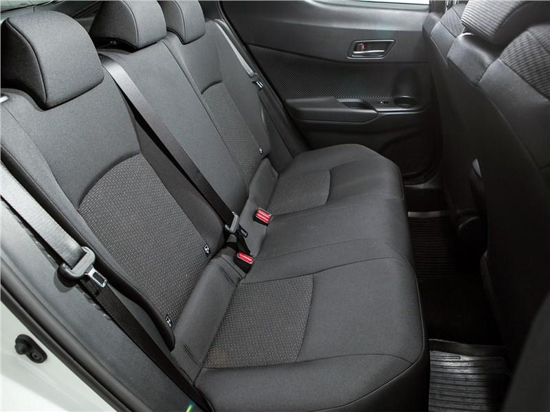 Toyota C-HR 2017 задний диван
