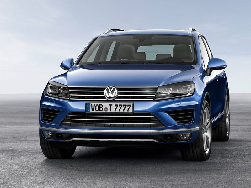 Volkswagen Touareg 2014 вид спереди
